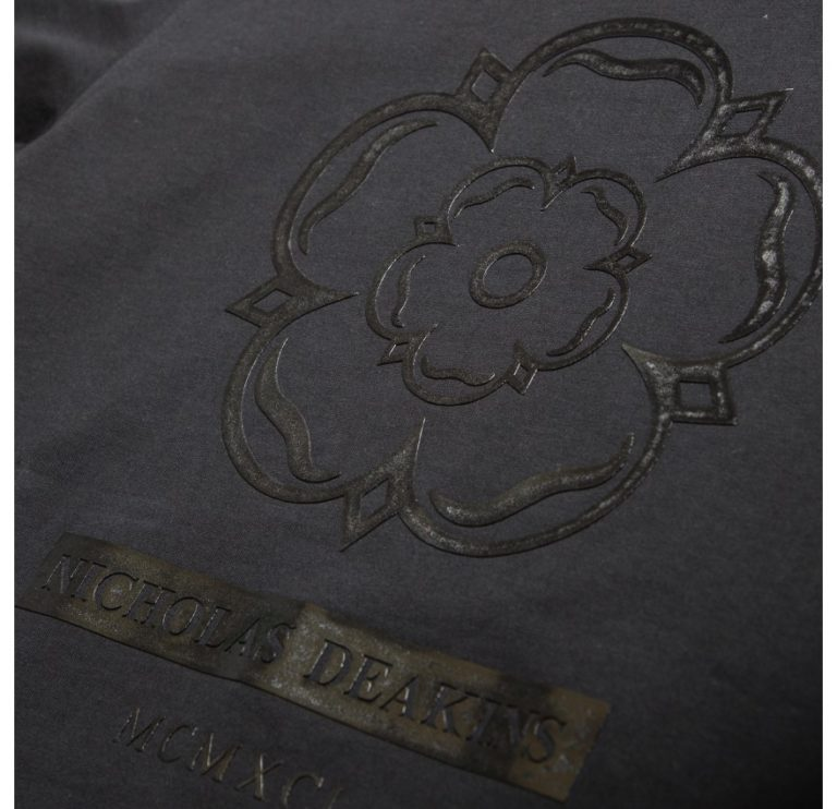 nd_classic_graphic_tee_black_2_of_2_