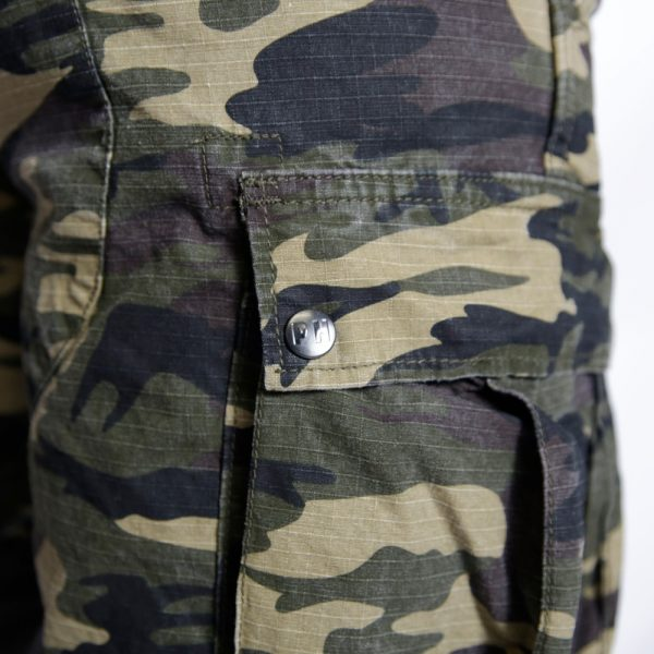ss17_shorts_container_woodland-camo_6