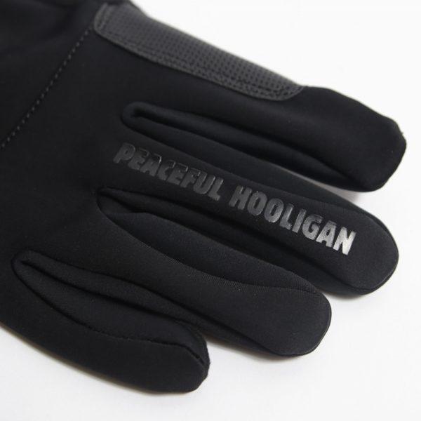aw19-peaceful-hooligan-accessories-latham-black-665